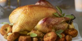 Dinde-fermiere-Label-Rouge-rotie-a-la-sauge-et-croquettes-de-pommes-de-terre-aux-marrons_v21