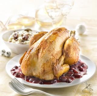 Poularde fermière Label Rouge, aux cranberries, risotto crémeux et noix de pécan