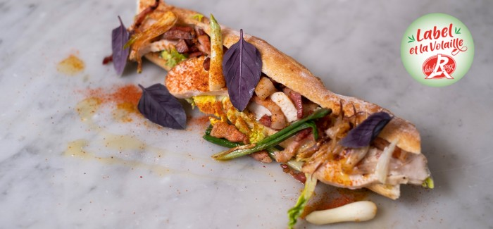 Club baguette de Poulet fermier Label Rouge mayonnaise tandoori, oignons doux et sucrine